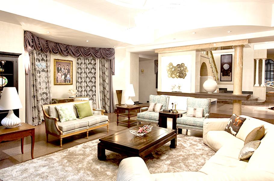 가족 생활의 많은 부분을 함께 하는 거실은 항상 밝고 환한 환경을 유지해야 한다. 풍수적으로 거실은 가장의 명예를 관장하는 기가 모인 곳이다.